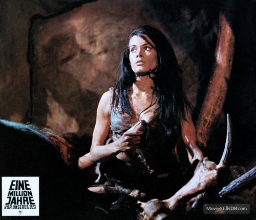 ONE MILLION YEARS B.C.(1966) LOBBY CARD 10
