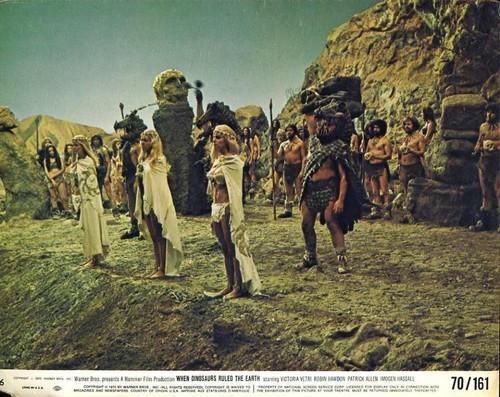 WHEN DINOSAURS RULED THE EARTH(1970) LOBBY CARD 7